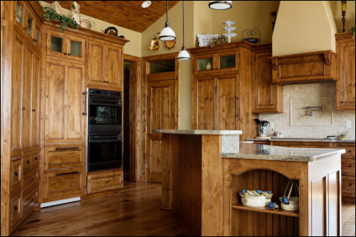 Milwaukee custom kitchen cabinetry wisconsin custom for Alder kitchen cabinets pictures